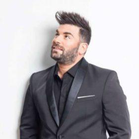 Παντελής Παντελίδης: Η οικογένεια άφησε το βραβείο των MAD VMA στο μνήμα του τραγουδιστή