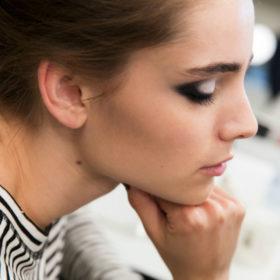How to: Πώς θα δημιουργήσετε το τέλειο smokey eye μακιγιάζ βήμα βήμα!