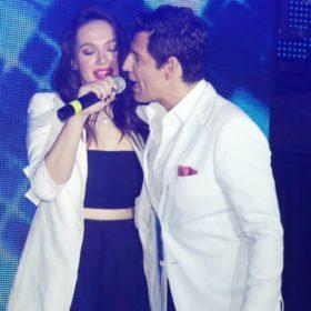 X-Factor: Ο Σάκης Ρουβάς κάνει το όνειρο της Τάνιας Μπρεάζου πραγματικότητα-Δείτε τη φωτογραφία