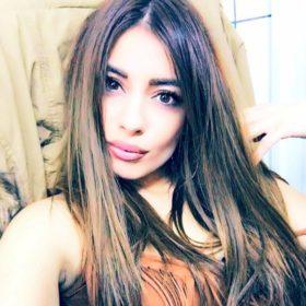 Μίνα Αρναούτη: Το γεμάτο νόημα μήνυμά της από τη Μυτιλήνη
