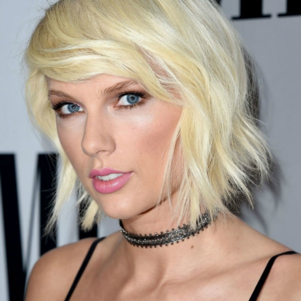 taylor swift, homepage image, choker