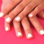 glitter dots mani