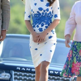 H Kate Middleton με  LK Bennett