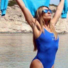 Ελένη Πετρουλάκη: Φόρεσε τη μπλούζα που θα βλέπουμε συνέχεια το καλοκαίρι