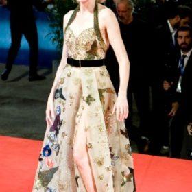 Η Naomi Watts με Elie Saab Couture