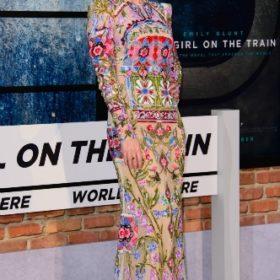 Η Emily Blunt με Alexander McQueen