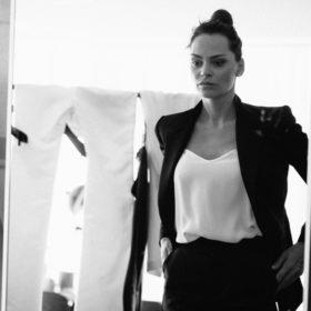 Η Υβόννη Μπόσνιακ ανάμεσα στους πιο fashion-forward σχεδιαστές της Ευρώπης