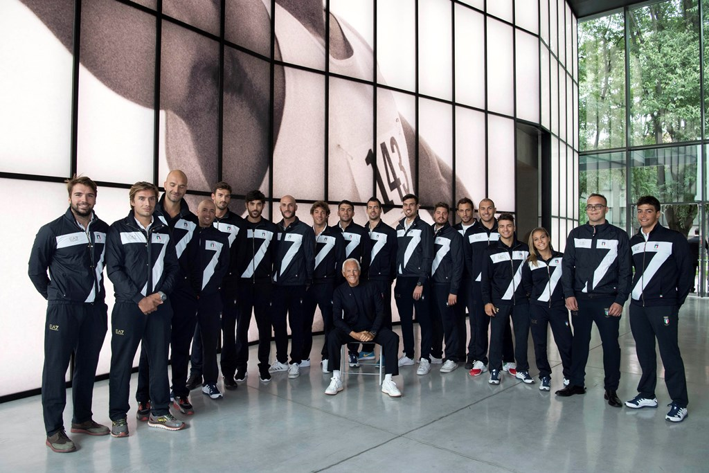 giorgio-armani-and-the-italian-olympic-team-photo-credit-stefano-guindani