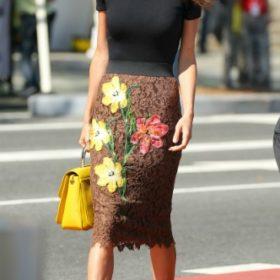 Η Amal Clooney με Dolce & Gabbana