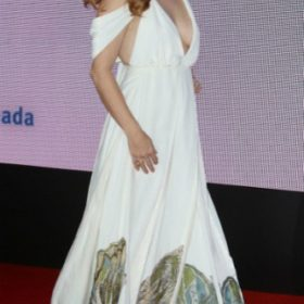 H Amy Adams με Valentino