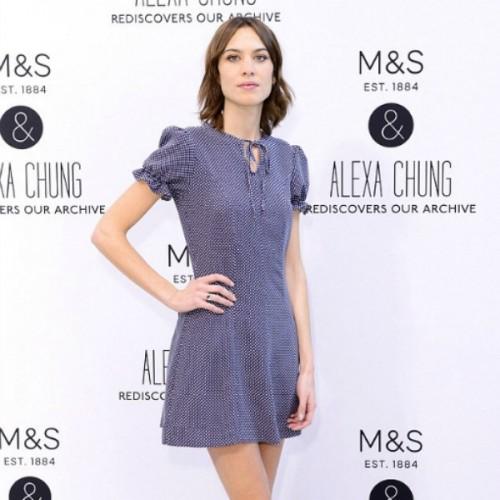 Η δεύτερη συλλογή της Alexa Chung για τα Marks   Spencer είναι ακόμα  καλύτερη από την πρώτη και τη θέλουμε ολόκληρη e95ed313f89