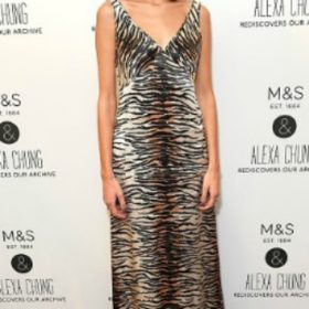 H Alexa Chung με Marks and Spencer