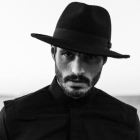 Έχετε δει τη νέα συλλογή menswear που θα κάνει τους άντρες στο πλευρό σας style icons;