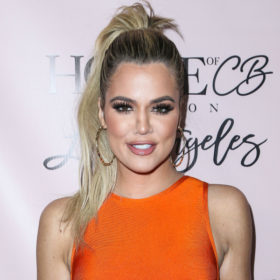 Whaaat? Να γιατί η Khloe Kardashian βάζει λάδι για τις ραγάδες στο πρόσωπό της!