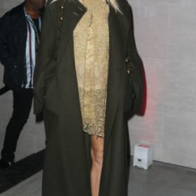 H Sienna Miller με Burberry