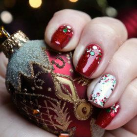 Σκοπεύετε να βάφετε συνέχεια τα νύχια σας τα Χριστούγεννα; Πριν ξεκινήσετε κάντε αυτά!