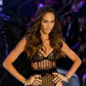 Ξέρουμε ακριβώς πώς θα πετύχετε το τέλειο wavy look των μοντέλων της Victoria's Secret