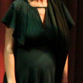 Γνωστή ηθοποιός ανέβηκε στην σκηνή στον έκτο μήνα της εγκυμοσύνης της