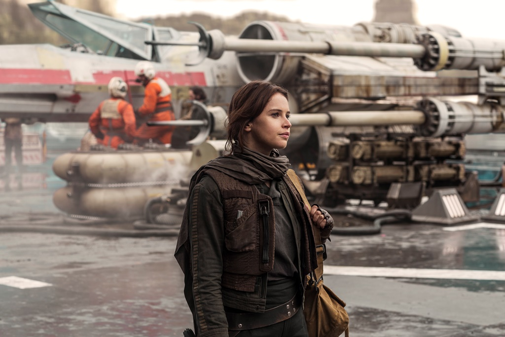 Rogue One: A Star Wars Story Jyn Erso (Felicity Jones)  Ph: Jonathan Olley © 2016 Lucasfilm Ltd. All Rights Reserved.