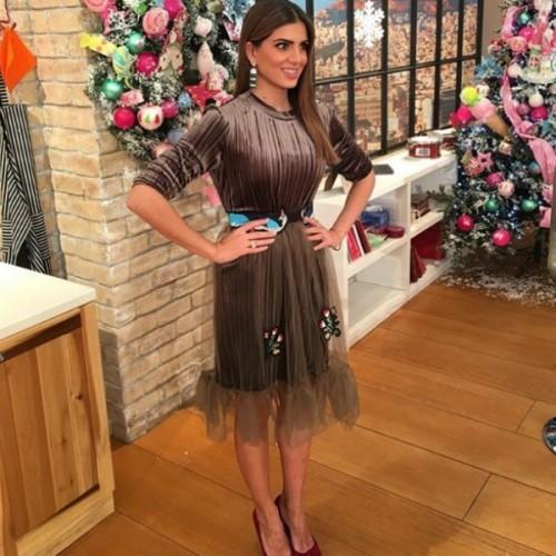 Cristina Beautiful Life  Βρήκαμε 5 υπέροχα βελούδινα φορέματα για τις  γιορτές f2c308b989f