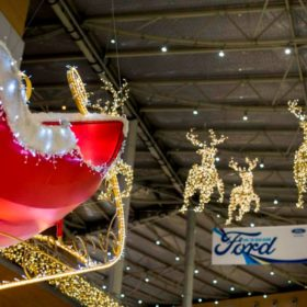 Πρέπει οπωσδήποτε να πάτε στο μέρος που έχει τον πιο όμορφο Χριστουγεννιάτικο στολισμό στην Αθήνα