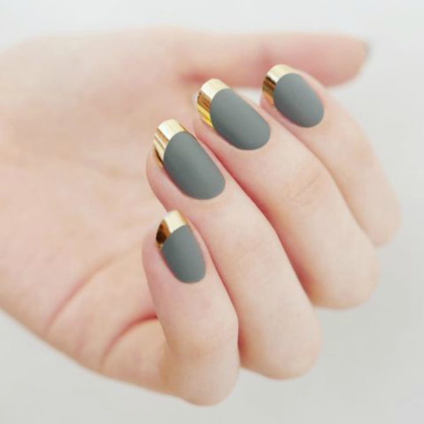 metallic-matte-nails