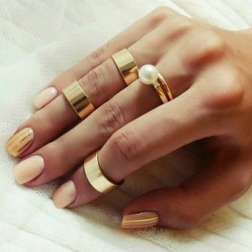 gold-nails