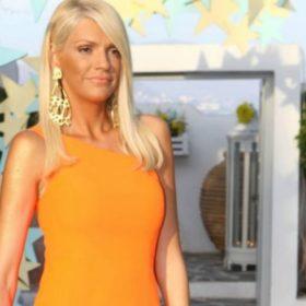 Σάσα Σταμάτη: Οι άνετες και stylish πλατφόρμες της είναι ιδανικές για γυναίκες κάθε ύψους