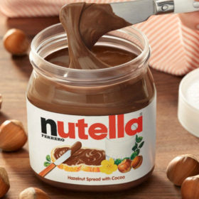 Say whaaat? Η καλύτερη θεραπεία για τα σπυράκια είναι η Nutella;