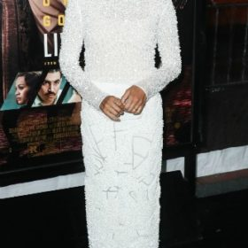 Η Zoe Saldana με J Mendel