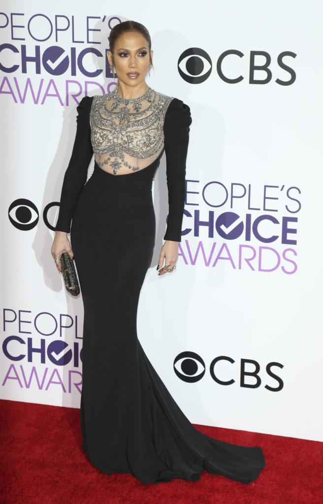 Jennifer Lopez Arrives to The People's Choice Awards 2017
