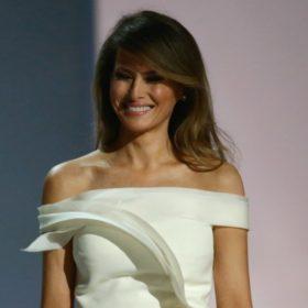 Η Melania Trump στο Buckingham Palace ντύθηκε για να εντυπωσιάσει
