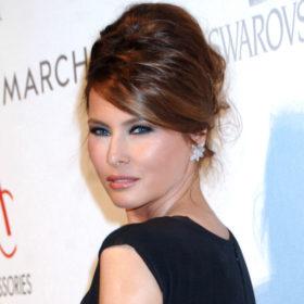 Αντίο σκούρο καστανό: H Melania Trump έγινε ξανθιά