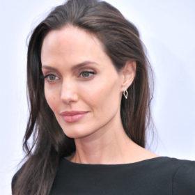 Αυτά είναι τα δύο προϊόντα που δεν αποχωρίζεται η Angelina Jolie