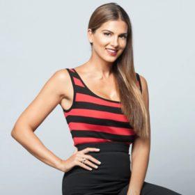 Σταματίνα Τσιμτσιλή: Η υπέροχη midi φούστα και το Zara οικονομικό top με το οποίο την συνδύασε