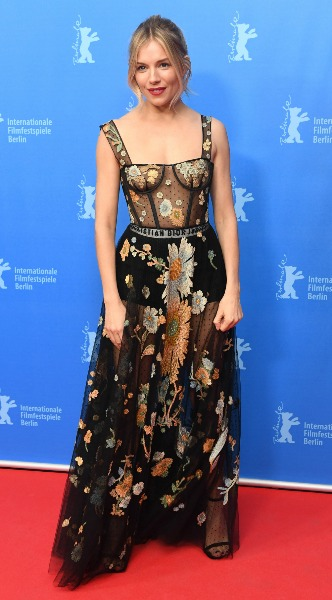 sienna miller, mosaic, look of the day, dior