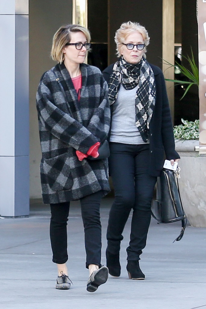 UK CLIENTS MUST CREDIT: AKM-GSI ONLY EXCLUSIVE: Hollywood, CA - Sarah Paulson, who turns 41 today, seen all smiles as she exits ArcLight Hollywood with fellow actress Holland Taylor. The happy duo watched the biographical comedy-drama 'The Bog Short.' Paulson has been rumored to be in a relationship with Holland Taylor. While they have not confirmed their relationship, the pair have been pictured holding hands before and have dropped several hints on social media. Pictured: Sarah Paulson, Holland Taylor Ref: SPL1199370 201215 EXCLUSIVE Picture by: AKM-GSI / Splash News