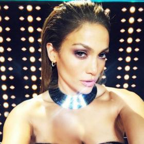 Πώς θα αντιγράψετε αυτό το εντυπωσιακό μακιγιάζ της Jennifer Lopez