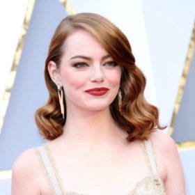 Μπορείτε και εσείς να αποκτήσετε το κραγιόν που φόραγε η Emma Stone όταν κέρδισε Όσκαρ