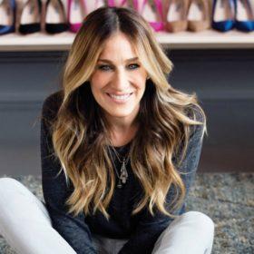 Το πολύ οικονομικό fashion item της Sarah Jessica Parker μπορεί να μεταμορφώσει κάθε σύνολό σας