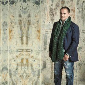 Συνέντευξη: O Βασίλης Ζουλιάς μας λέει γιατί είναι σημαντικό να στηρίζουμε τους Έλληνες σχεδιαστές
