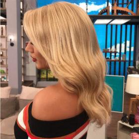 Το μυστικό της Κωνσταντίνας Σπυροπούλου για τέλεια μαλλιά στοιχίζει μόλις 4€