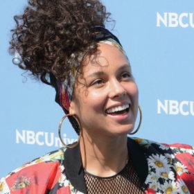 Ίσως είχατε κάνει και εσείς στα 00s το νέο κούρεμα της Alicia Keys