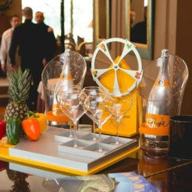 To νέο brunch concept σε συνεργασία με τη σαμπάνια Veuve Clicquot Rich θα αλλάξει τις Κυριακές σας