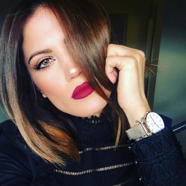 mairi sinatsaki, homepage image, dark red lips
