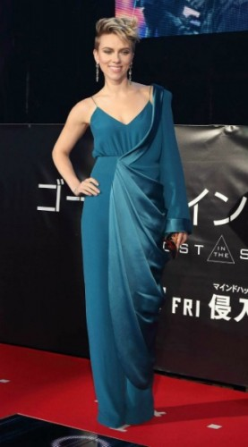 scarlett johansson, mosaic, look of the day
