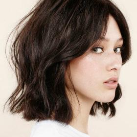 Δεν θέλετε να κόψετε καρέ; Τότε η δεύτερη μεγάλη τάση στα μαλλιά θα σας ενθουσιάσει
