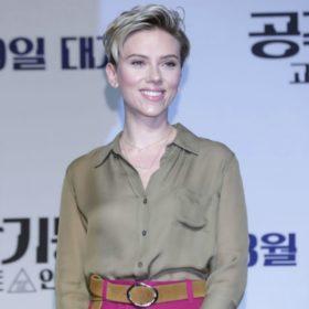 Κι όμως η Scarlett Johansson φόρεσε ένα πανάκριβο κόσμημα με ελληνική υπογραφή!
