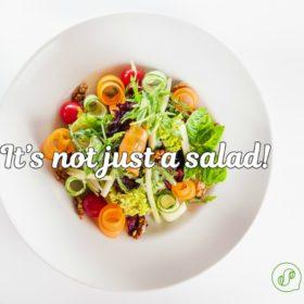 Είναι η σαλάτα κανονικό γεύμα; Ο σεφ του The Salad Project μας απαντά σε 11 ερωτήσεις και διαλύει κάθε μύθο που πιστεύαμε για αυτή