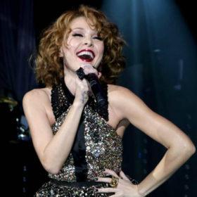 Η επιστροφή της περμανάντ: Ποιο it girl του Hollywood «αντέγραψε» το look της Τάμτα;